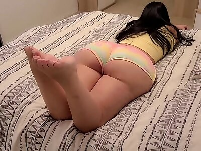 Teen down a Big Ass gives her Stepdad a Gift
