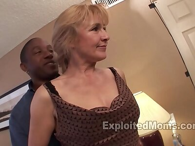Big White Chief Housewife Fucks a BBC