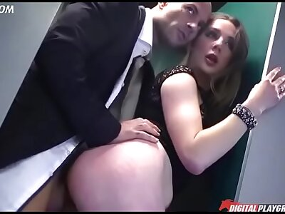 Blonde indulge about broad in the beam nuisance fucks in standing doggystyle